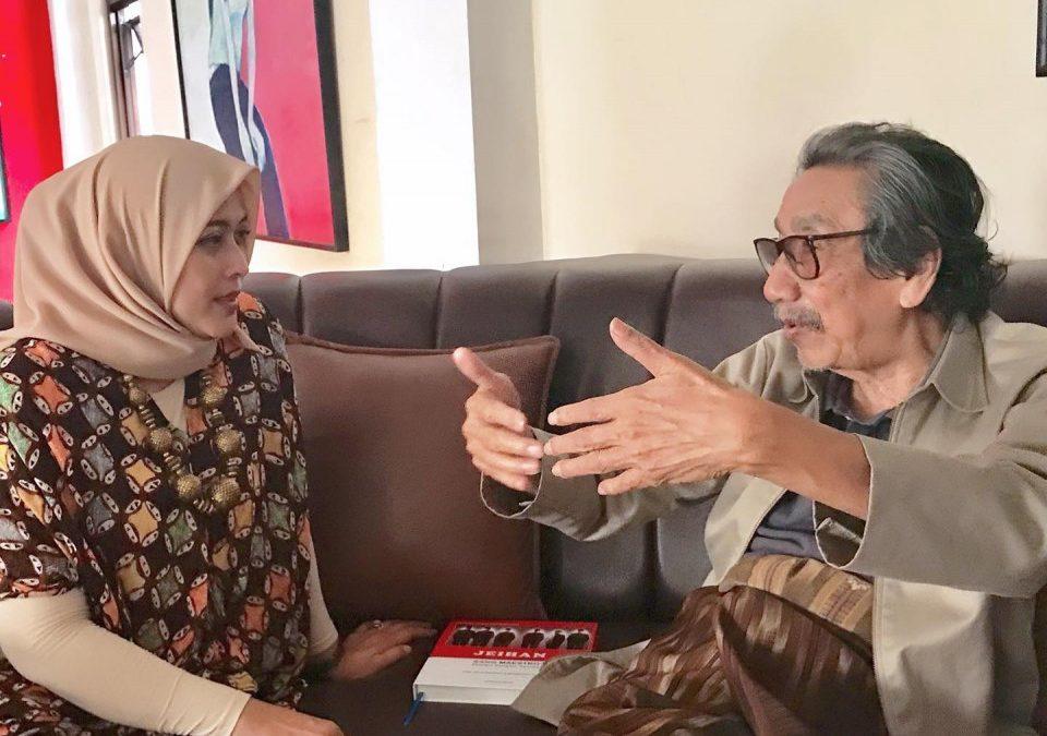 Kenangan Tak Terlupakan, Penyair Yeni Fatmawati Dijadikan Model Lukisan Jeihan